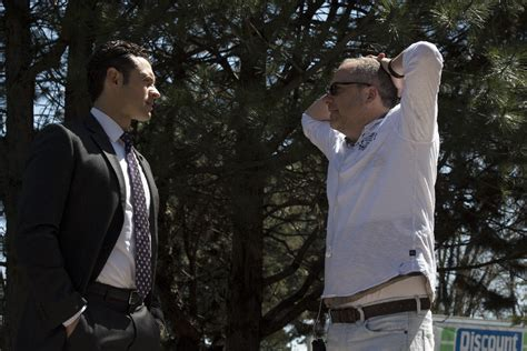designated survivor season 2 canceled or renewed designated survivor abc previews the season series