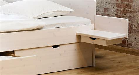 Nachttisch Am Bett by Nachttisch Zum Montieren Aus Kiefer Norwegen