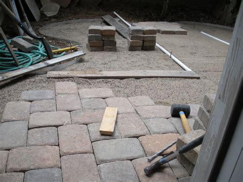Wie Verlege Ich Terrassenplatten by Steinplatten F 252 R Terrasse Verlegen Terrassenplatten