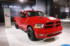 2013 ram 1500 joining in the v6 powered parade