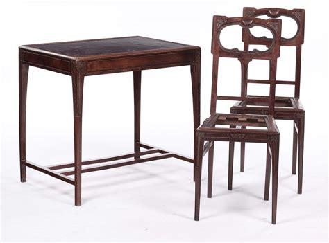 scrivania liberty scrivania liberty e due sedie antiquariato affidamenti