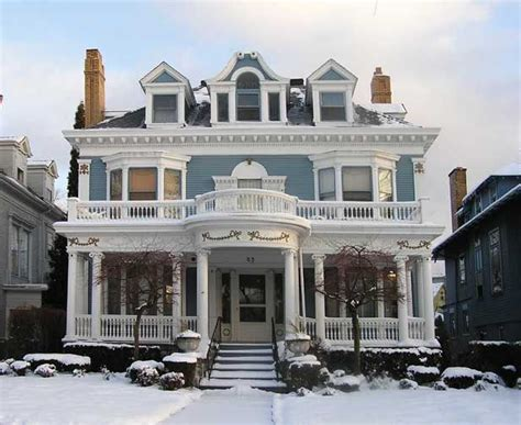 lovely colonial revival house for the home