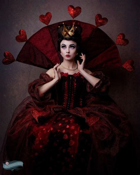 best 25 queen of hearts best 25 of hearts ideas on of