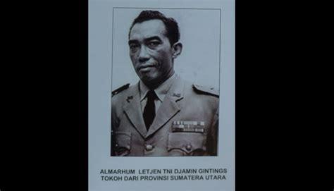 Perangko Piala Cup Jakarta Tahun 1974 djamin ginting pahlawan nasional asal tanah karo