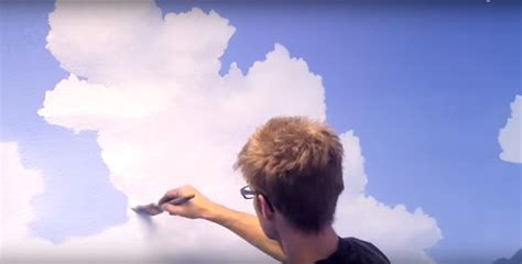 dipingere il soffitto come dipingere cielo e vaporose nuvole sulle pareti di