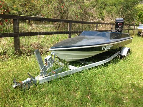 outboard speed boats 5 2m macho speed boat black max 175hp mercury outboard