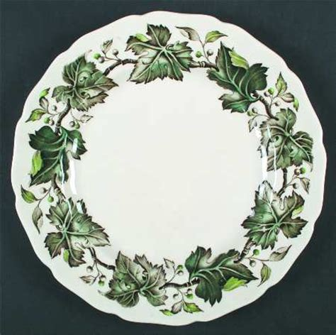 identify pattern vintage johnson brothers johnson brothers vintage cream green ivy berries at
