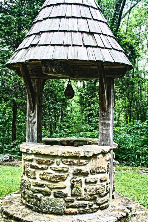 images  wishing wells  pinterest gardens