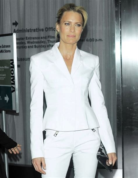 robin wright neck hole in her robin wright scar on neck robin wright photos photos
