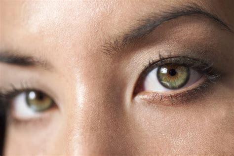 imagenes ojos grises los mejores colores de ropa para destacar los ojos verdes