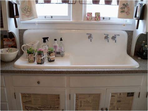 25 fantastically retro and vintage home decorations best 25 vintage farmhouse ideas vintage farmhouse sink