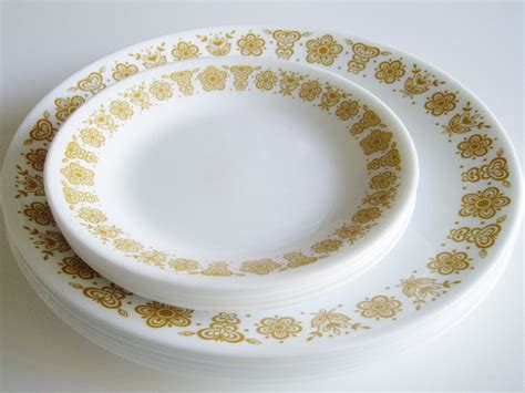 old pattern corelle dishes vintage corelle dishes butterfly gold pattern 6 dinner