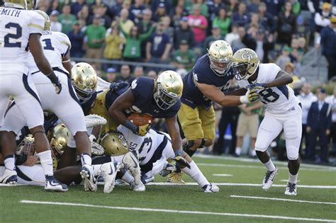 quenton nelson bench press with injuries galore notre dame putting a lot on