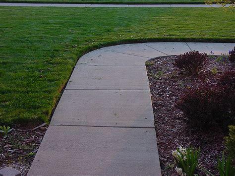 Landscape Edging By Sidewalks Sidewalk Driveway Edging Shawano Wi 715 526 7696