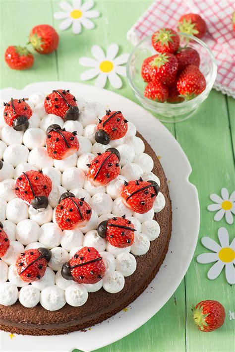 una tarta sencillsima de hacer con colores muy primaverales 161 una tarta casera de fresas f 225 cil y muy original