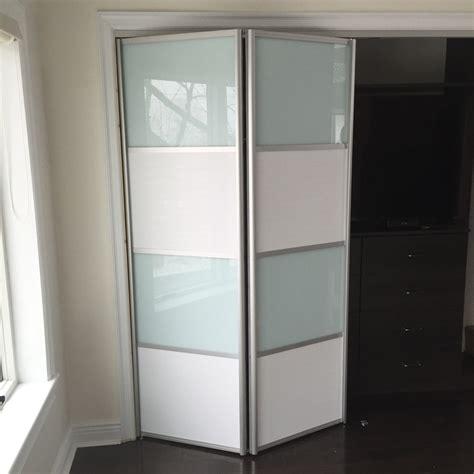 Contemporary Bi Fold Closet Doors Gallery Of Modern Bi Fold Doors By Doors Bfd 09 White Obscure Glass Single Bi Fold Door