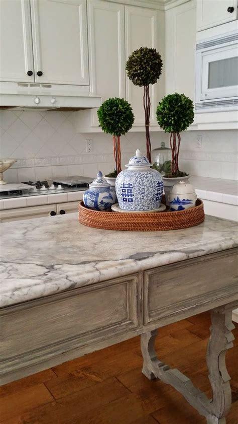 kitchen island decorative accessories best 25 blue white kitchens ideas on pinterest blue and