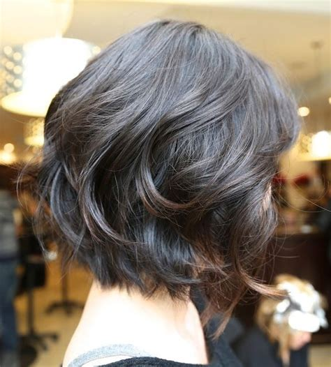 vies of side and back of wavy bob hairstyles easy wavy bob hairstyles side view popular haircuts