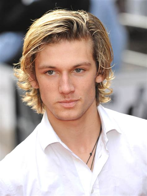 Alex Pettyfer Hairstyle by Alex Pettyfer Hairstyle Makeup Suits Shoes And Perfume