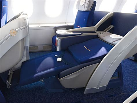amtrak premium seat lufthansa confirms new business class for boeing 747 8 in