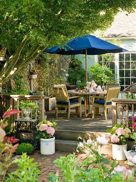 small yard living and landscaping mesas de verano decoracion en el hogar