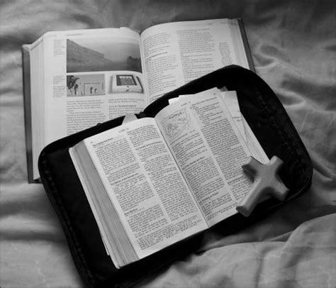 Alkitab Katolik Besar yesus kristus akan datang kembali yesus akan mengusir