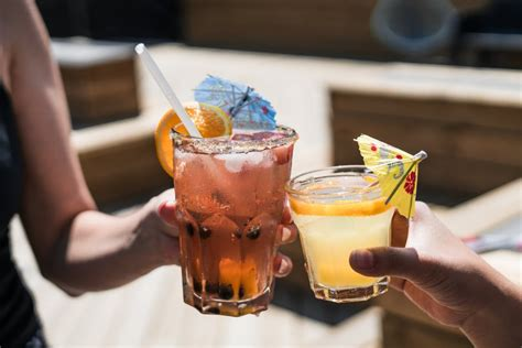 alcoholic drinks at a bar free stock photo of alcoholic bar