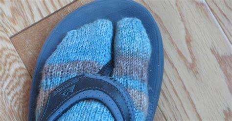 pattern for socks to wear with flip flops chris knits in niagara winter flip flop socks