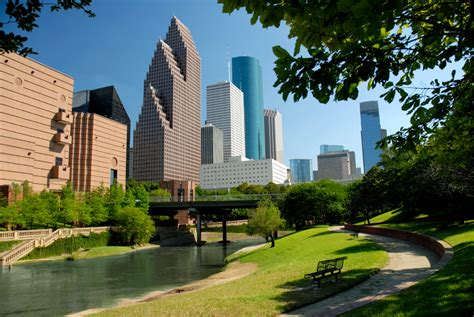 frb dallas economic outlook  houston remains solidly positive  tenant advisor