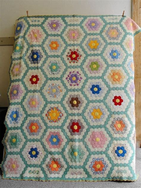 Flower Garden Quilts 17 Best Images About Grandmothers Flower Garden Quilts On Gardens Quilt And