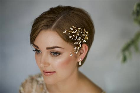 short haircuts styed with barrettes how to style wedding hair accessories with short hair