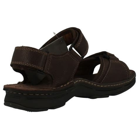 clarks mens sandals leather mens clarks leather sandals with active air technology