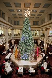 walnut room macys chicago macy s great tree lighting 2012 kicks chicago s season show me chicago