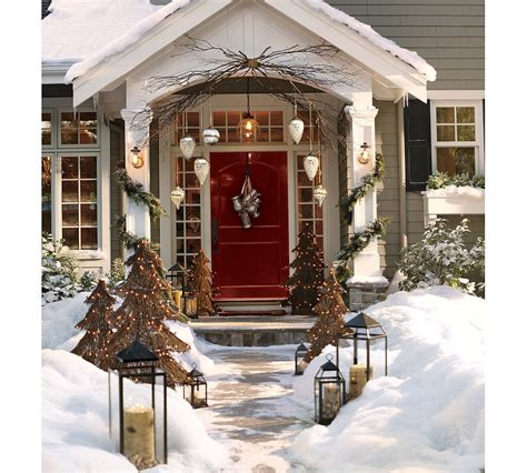 Christmas Decoration Outside Home | beautiful christmas ornaments that will set festive