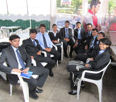 How Does An Mba Help by How Does An Mba Help Aspirants From Different Backgrounds
