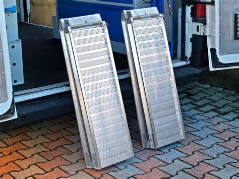pedane di carico per furgoni re di carico e pedane per furgoni