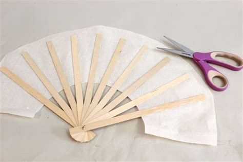 How To Make A Japanese Paper Fan - how to make japanese fans with pictures ehow
