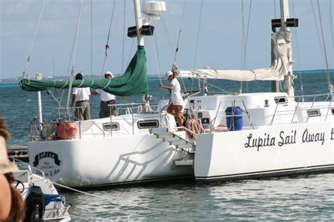 dancer catamaran picture of cancun catamaranes cancun - Catamaran Lupita Cancun