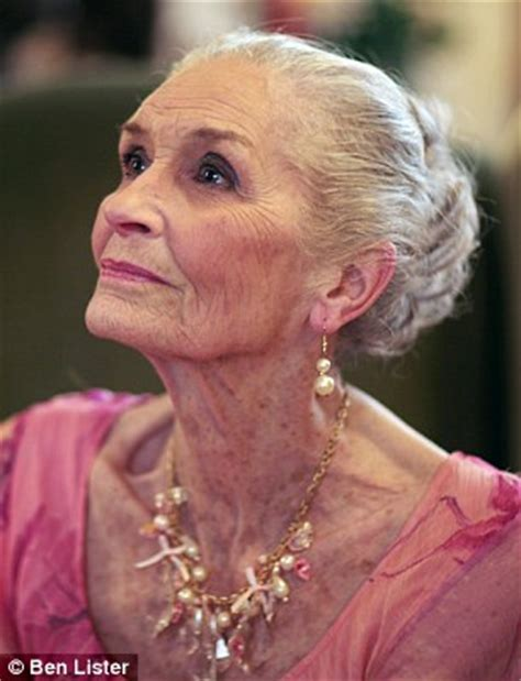 daphne selfe hits back at the 'thigh gap' trend | daily