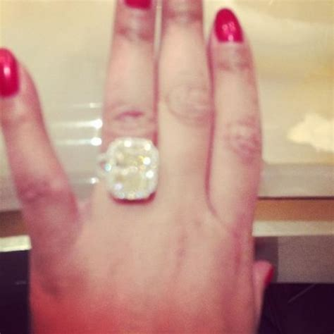 tamar braxton gets a wedding ring upgrade from husband vince