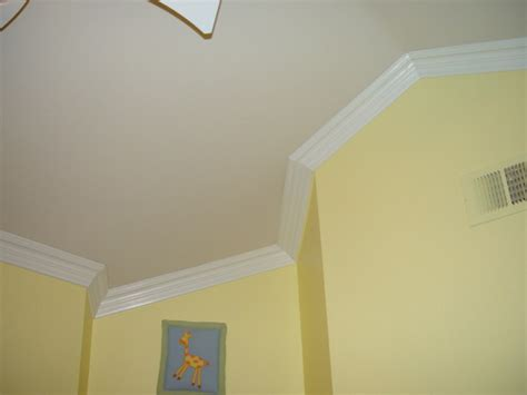 Vaulted Ceiling Molding by Vaulted Crown Moulding Crown Installation