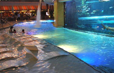 infinity aquarium design las vegas nv world s most amazing hotel swimming pools idesignarch