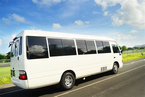 Airport Shuttle Companies by Free Airport Shuttle Auckland Airport Kiwi Hotel