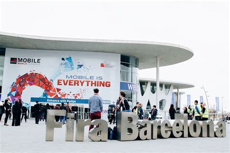 mobile world congres mobile world congress 2016 pictures carbuyer