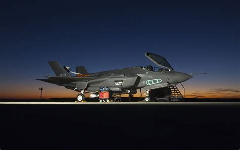 F 35 Lighting Ii by Lockheed Martin F 35 Lightning Ii Wallpapers Hd