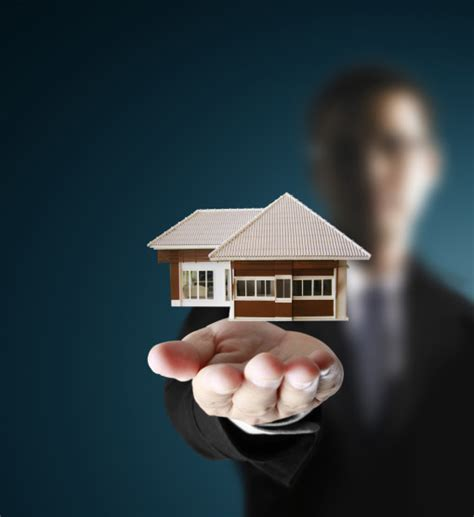 using a broker to buy a house benefits of using a real estate agent when buying a home
