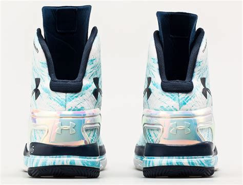 Underarmour Clutchfit Drive Pe Stephen Curry armour clutchfit drive blizzard day pe for stephen curry sbd