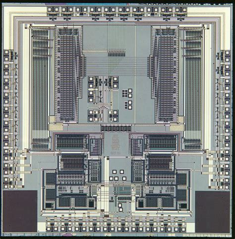 the integrated circuit made the development of the possible in the 1970s generations of computer