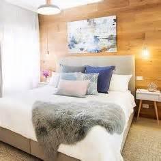 how to get massie block bedroom www indiepedia org trend alert grasscloth wallpaper copper guest rooms