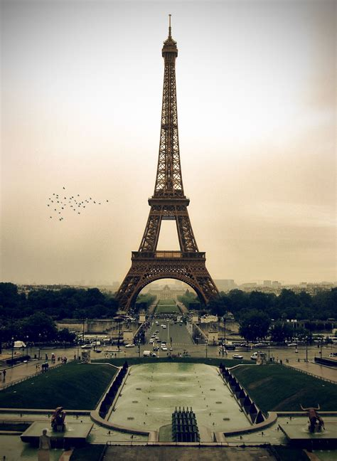 eiffel tower paris eiffel tower hd wallpapers 2012 in night and day